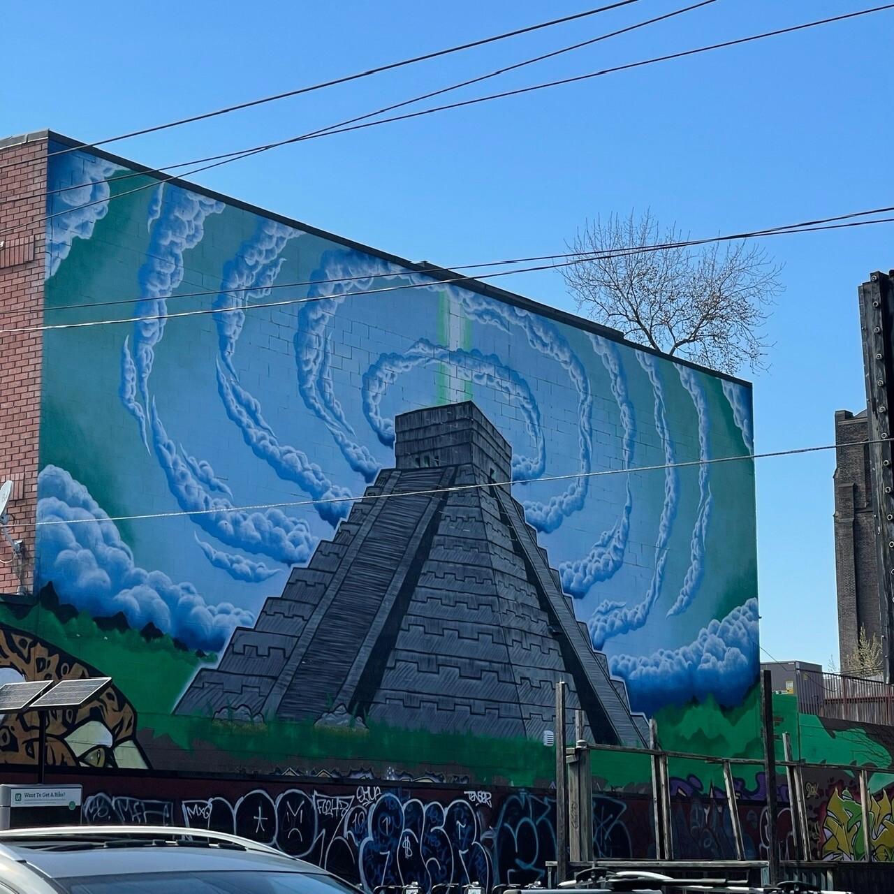 Street Graffiti - El Castillo